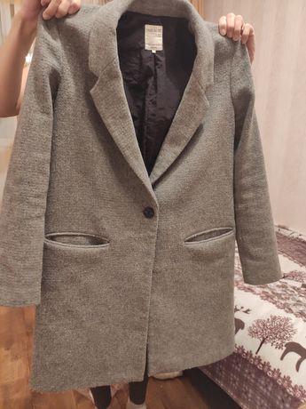 Пальто женское Zara , размер M