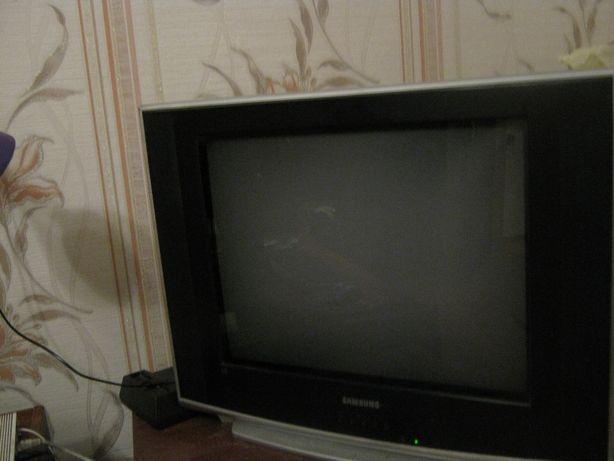 Телевизор Samsung-диагональ 53см