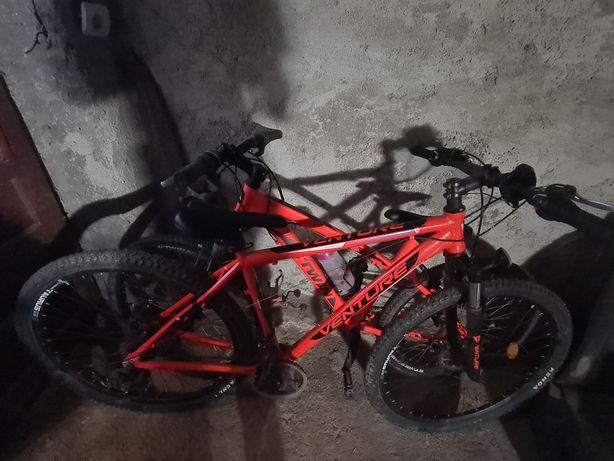 Vand doua biciclete