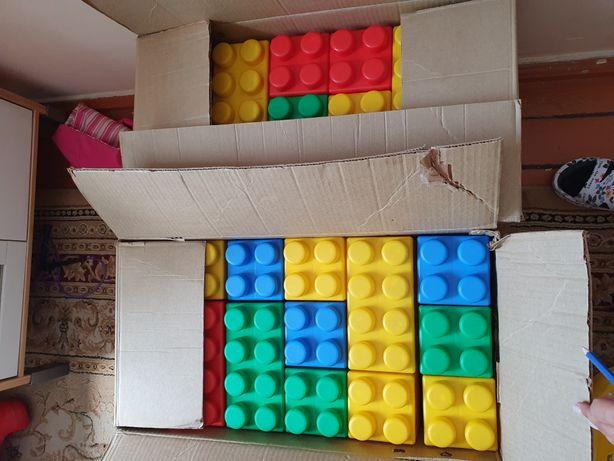 Продам крупные кубики конструкторы для детей