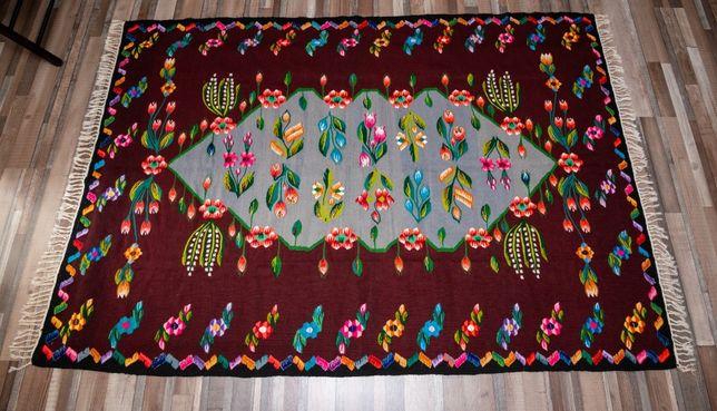 Covor tesut manual la razboi cu furculita, din lana naturala