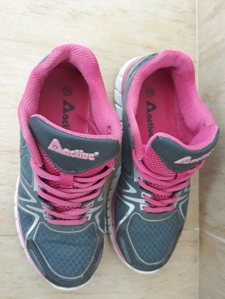 Маратонки 30лв, сандали 20лв N37,и сандали с платформа N37 цена 18лв