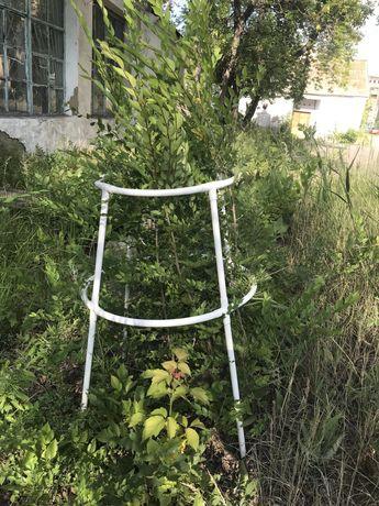 Продам Кустодержатель садовый