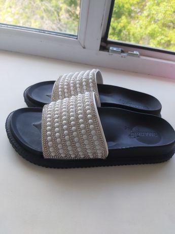Продам обувь не разу не носили