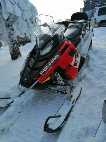 Snowmobil Polaris Indy Voyageur 550