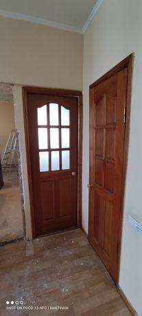 Дверь домашние с ручкой деревянные
