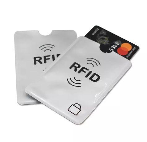 Защитный RFID чехол для кредитных карт.