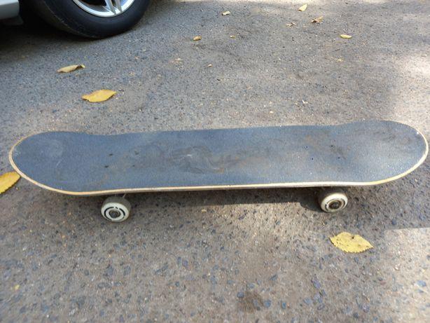 Срочно продам скейт борд