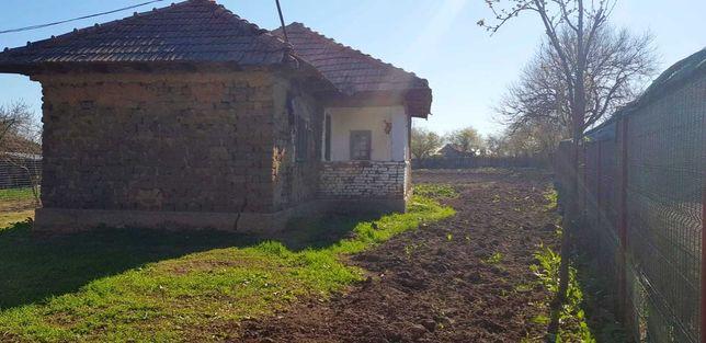 Casa cu teren de vanzare Olt, Mihaesti