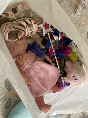 Отдам игрушки для девочки