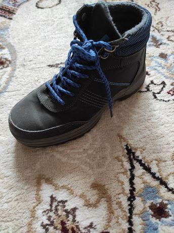 Ботинки на мальчика 34размер