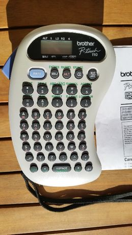 Vand Imprimanta de etichete portabila Brother PT-110