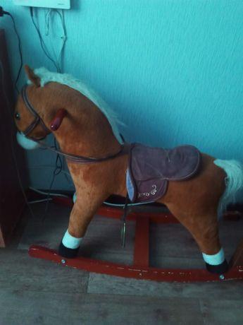 Продам лошадку.      .