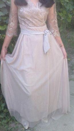 Платье вечерние  новое отдевали один раз