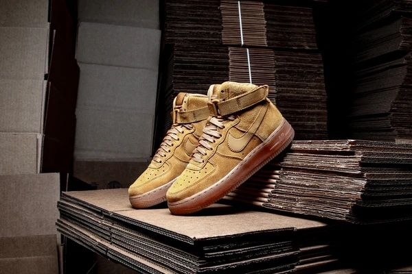 Nike Air Force 1 LV8 Wheat 38.5