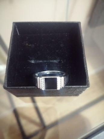 Продам кольцо мужское
