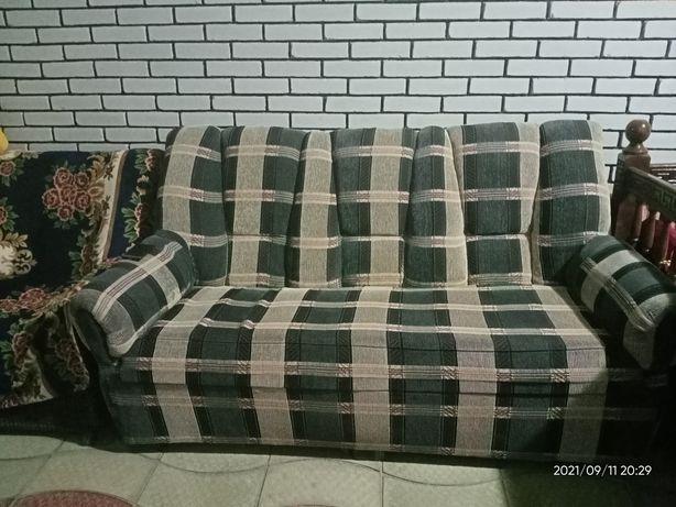 Продам диван в отличном состоянии.