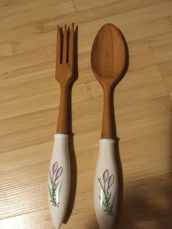 Set lingura si furculita din lemn foarte frumoase