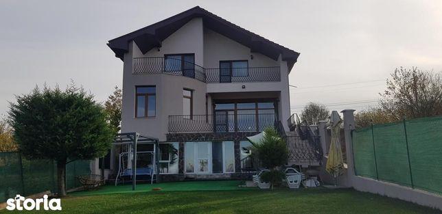 Casa deosebita de vanzare zona Spitalul Judetean - Doja, Oradea