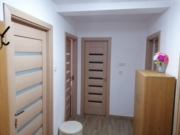 Apartament 3 camere, complet renovat și mobilat, zona Andrei Mureșanu