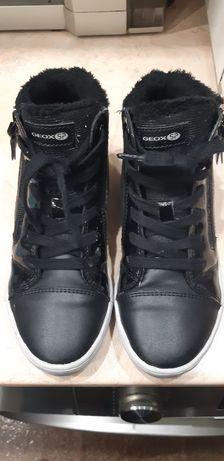 Обувки GEOX  J Gisli G. B J844NB 00454 C9999 S Black  /33н за момиче