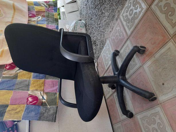 Кресло  для офиса.