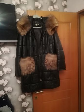 Кожено палто с лисица