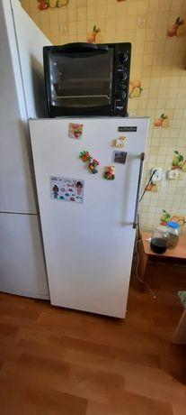 Холодильник, может кому на дачу