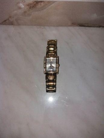 ceas de damă auriu stare bună de fuctionare