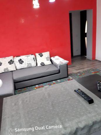 vand apartament 3 camere, pret 42000 euro