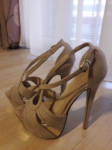 Sandale nude 36