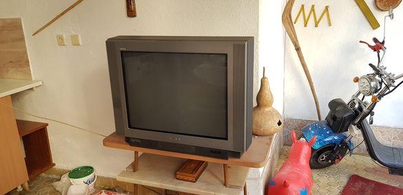 Телевизор sony с плосък екран 70 см диагонал