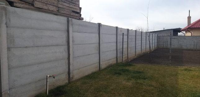 Garduri din plăci de beton