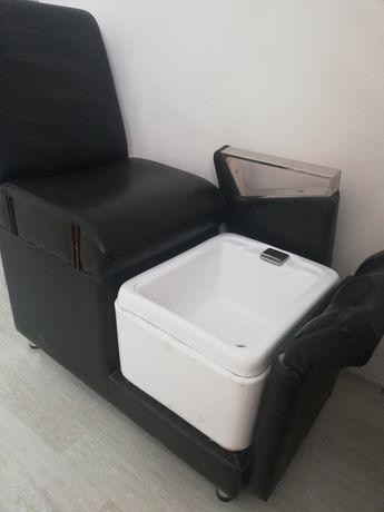 Продам маникюрное кресло