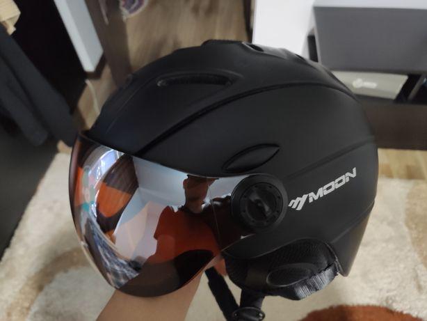 Срочно продам горнолыжный шлем с визором
