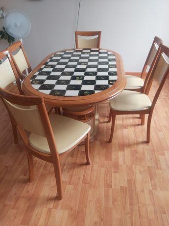 Кухонный стол качественный