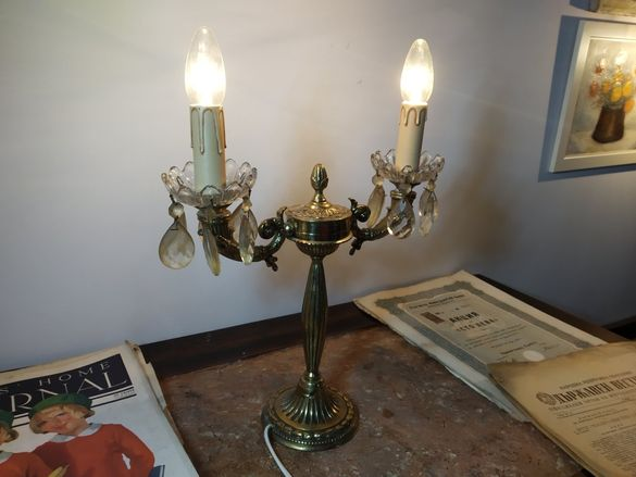 Красив стар Бароков бронзов лампион тип свещеник.