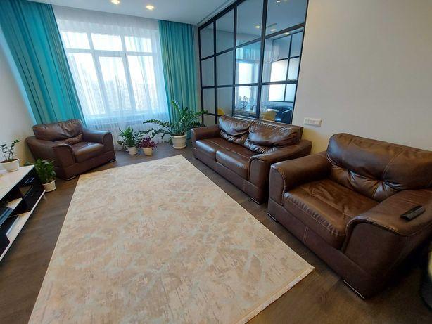 Продам кожанный диван и 2 кресла
