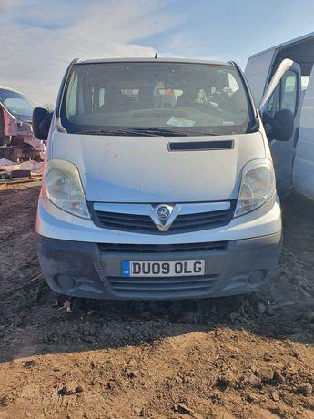 Dezmembrez Opel vivaro primastar trafic motor 2.0 cc cutie 8+1 locuri