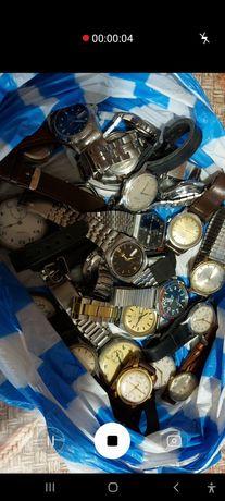 Голяма колекция от ръчни, джобни часовници и будилници