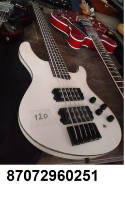Продам бас-гитару Cort CH5,5-ти струнный.