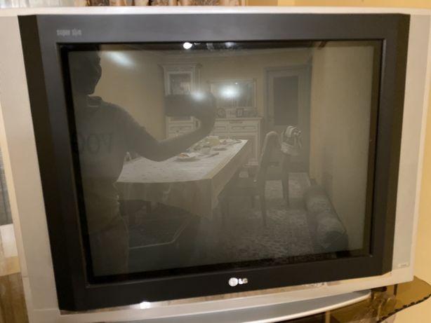 СРОЧНО! LG телевизор