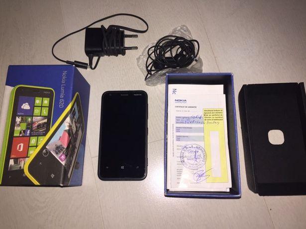 Nokia 620 + cutie + accesorii - perfect functional