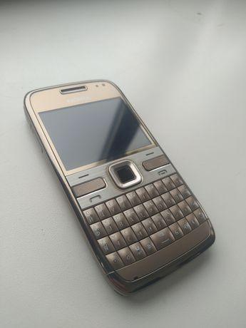 Nokia E72 золотистый
