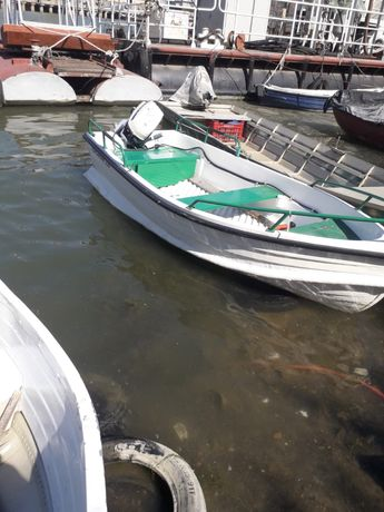 Vand barca de pescuit