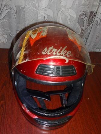Продавам шлем за мотоциклет