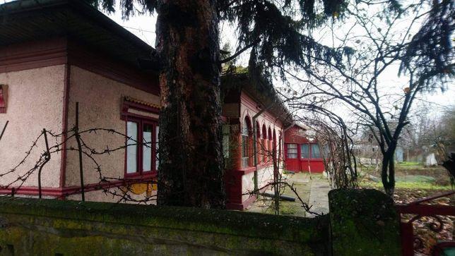 Casa cu teren la tara