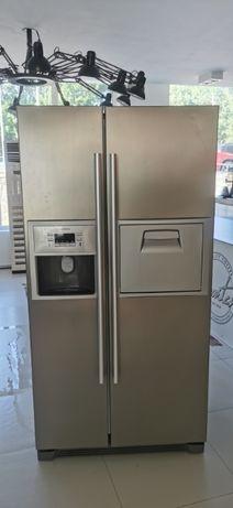 Двукрилен хладилник Side by side Siemens