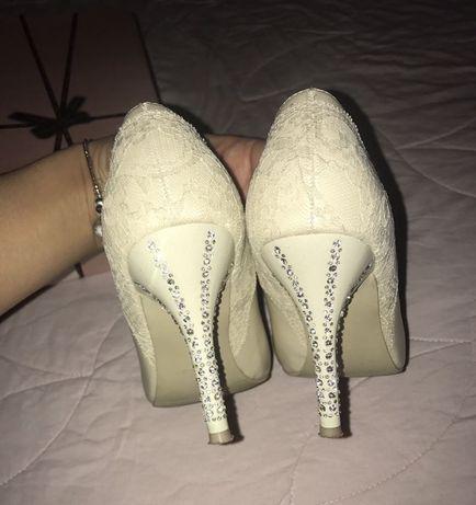 Туфли на свадьбу выпускной в идеале натур. кожа стразы кружево 37 р