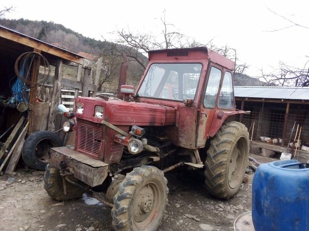 Vând tractor forestier UTB651